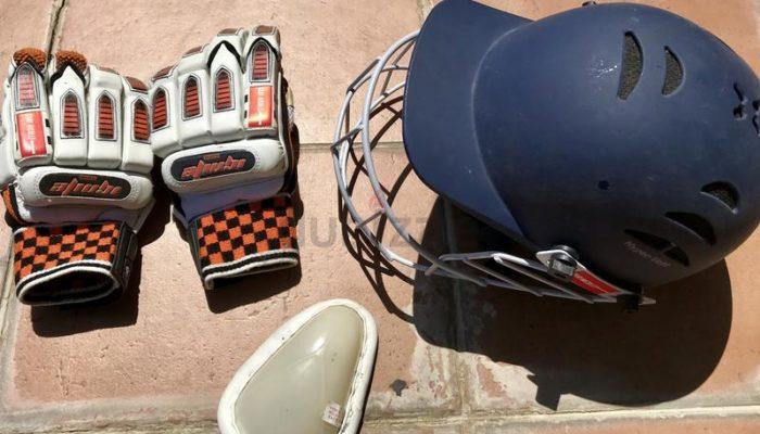 Cricket gear - Childs Cricket set